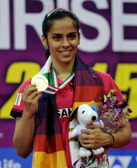 NEW DELHI, MAR 30 (UNI):-Indian Badminton player Saina Nehwal wins the gold medal after defeating Intanon Ratchanok of Thailand 2-0 in the final at Yonex Sunrise Indian Open Badminton Championship in New Delhi on Sunday night. UNI PHOTO-35U